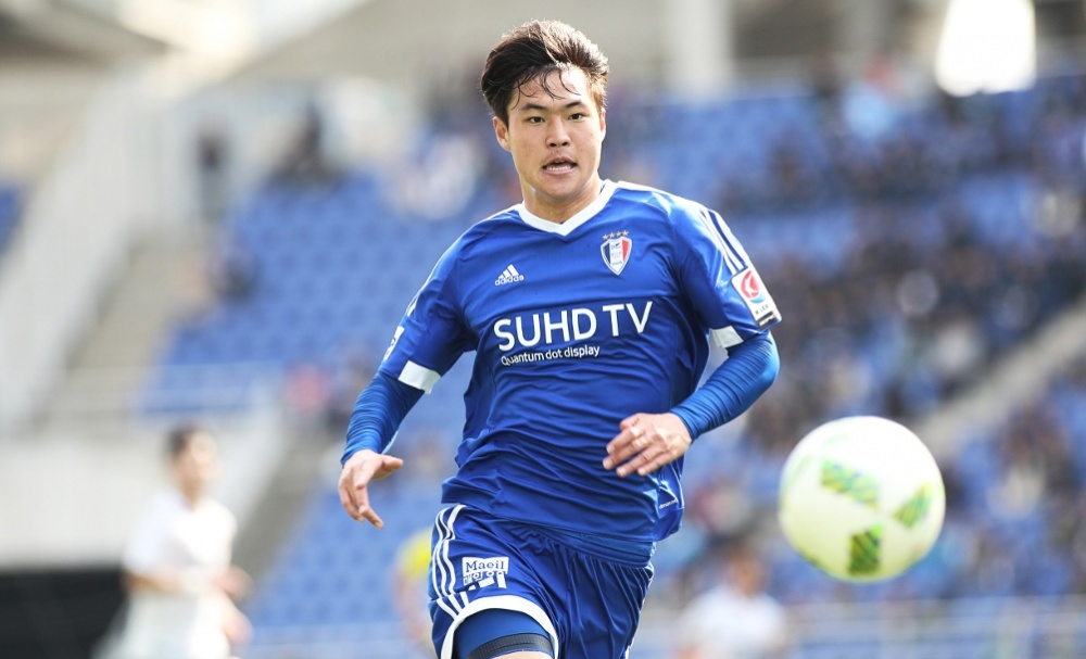 Kim Gun-hee made his Suwon Samsung Bluewings debut in the 2016 edition of the continental competition in a scoreless draw with Gamba Osaka and the striker quickly found his feet, scoring twice in the 3-0 victory over Shanghai SIPG in his side's final group outing.