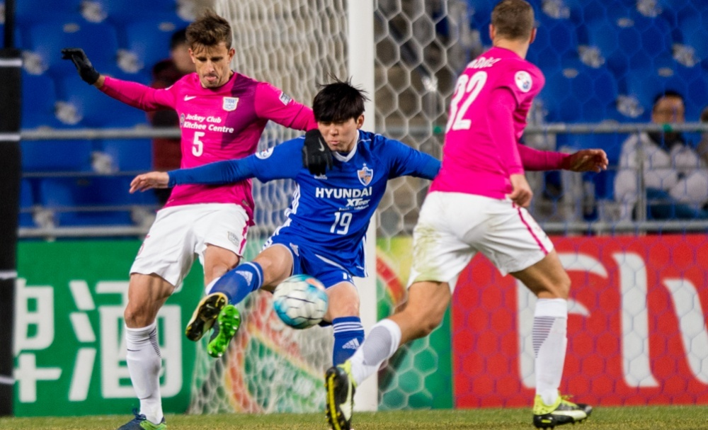 Having finished the 2016 K-League Classic campaign as Ulsan Hyundai's top scorer, Kim Seung-jun is the club's hottest prospect and will be key to the 2012 AFC Champions League winners' hopes of progression to the knockout stage.