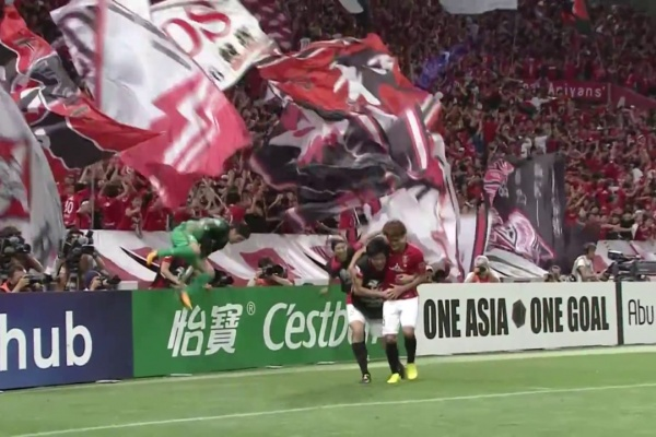 Toshiyuki Takagi seals the win for Urawa Red Diamonds!