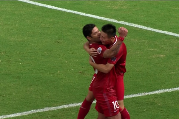 A great goal by Wu Lei for Shanghai SIPG's 3rd goal v Guangzhou Evergrande!