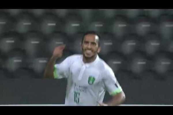 Saleh Al Amri with a lovely strike to pull Al Ahli level!