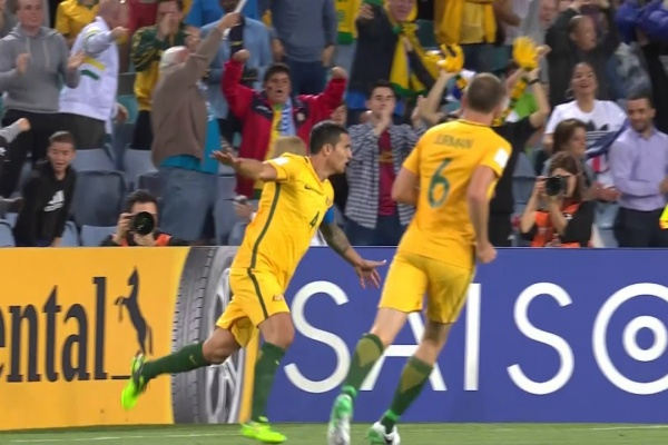 Tim Cahill levels the scores!