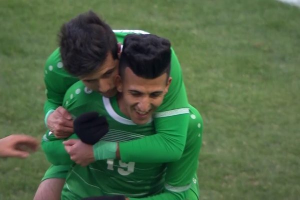 Amjed Attwan puts Iraq 2-0 up!