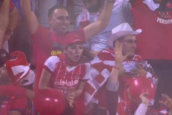 Godwin Mensha strikes again to put Persepolis 2-1 up on the night!