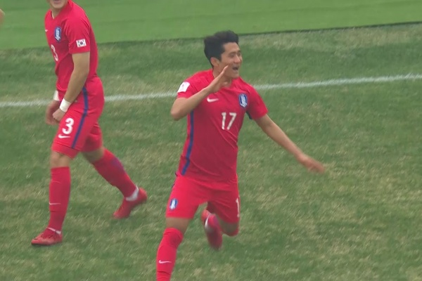 Cho Jae-Wan gives Korea Republic the lead after just 15 seconds