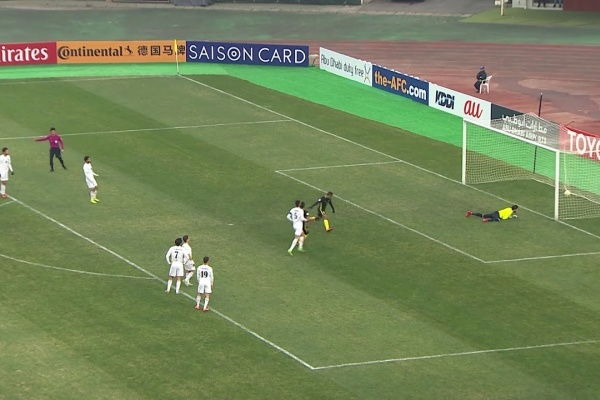 Safawi Rasid equalises for Malaysia from the penalty spot!