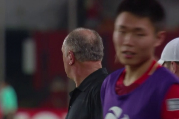Alan scores the opening goal for Guangzhou Evergrande!