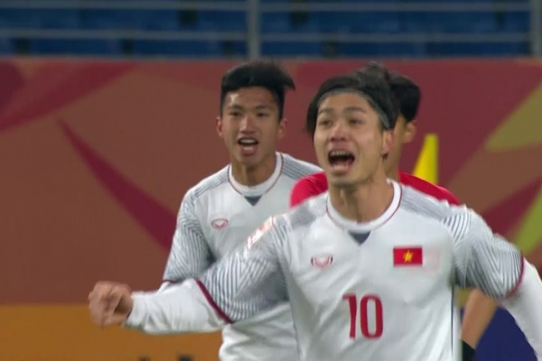 Nguyen Quang Hai gives Vietnam the lead against Korea Republic!