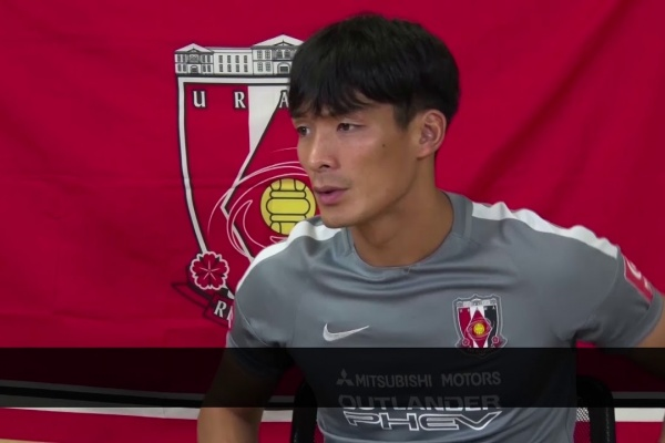 Tomoaki Makino answers questions from Urawa Red Diamonds fans!