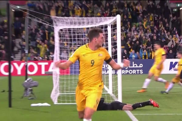 Tomi Juric heads Australia into the lead!